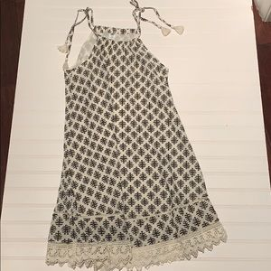 Old Navy white and black summer dress size XS